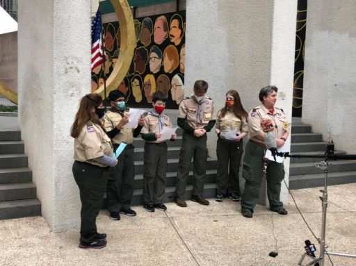 Maya Kamen Leads Service to Commemorate COVID-19 Victims and Honor Front Line Helpers